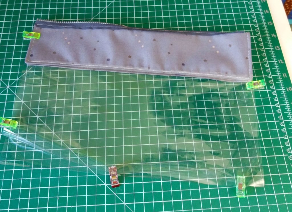 Vinyl pouch free sewing project