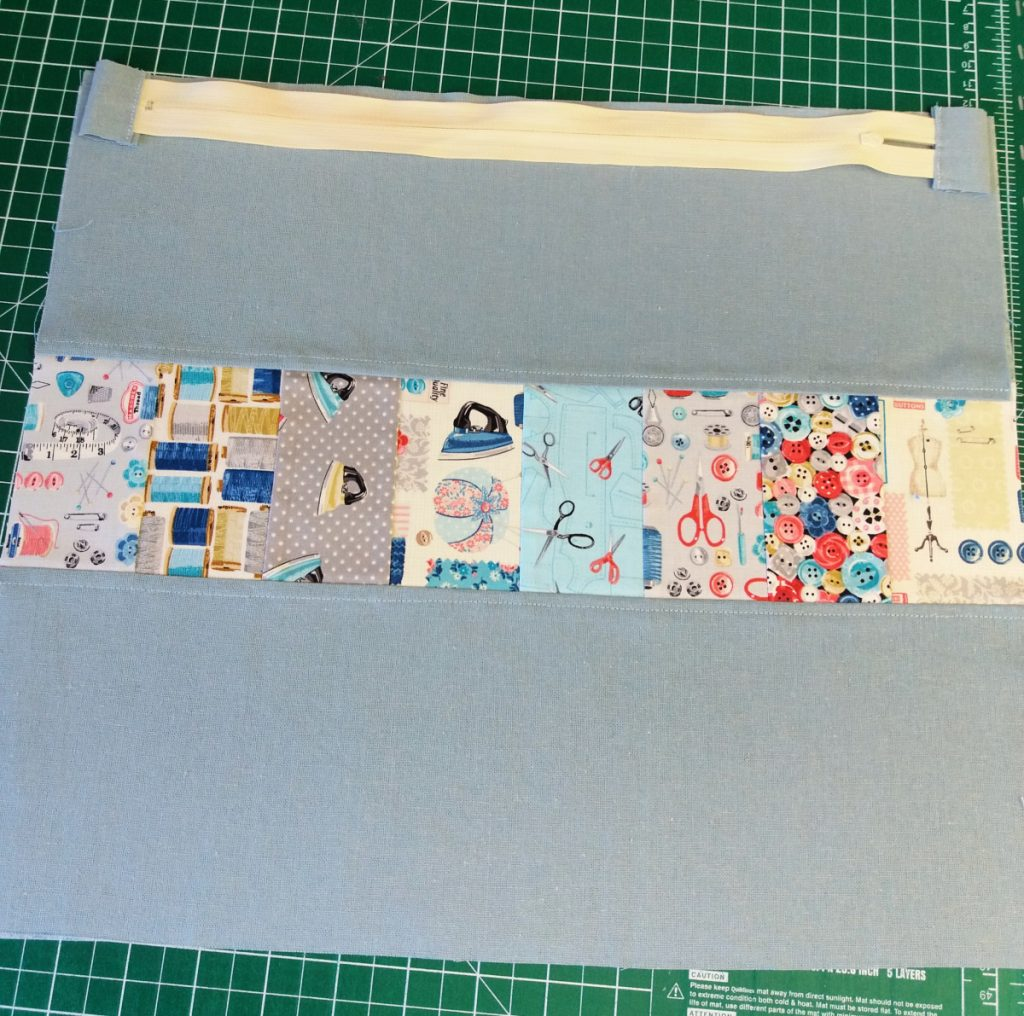 Large zippered pouch sewing project