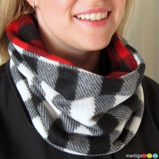 Reversible fleece scarf sewing tutorial