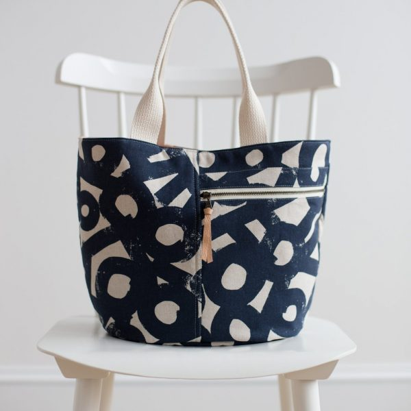 Crescent tote bag sewing pattern