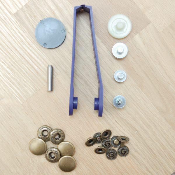 Metal press fastener set for beginners